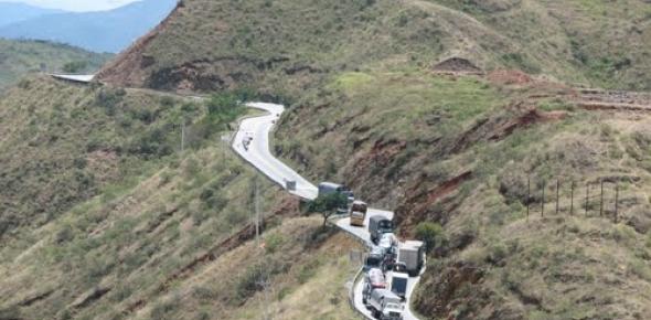 Adjudican el proyecto de vía Ibagué-Cajamarca | www